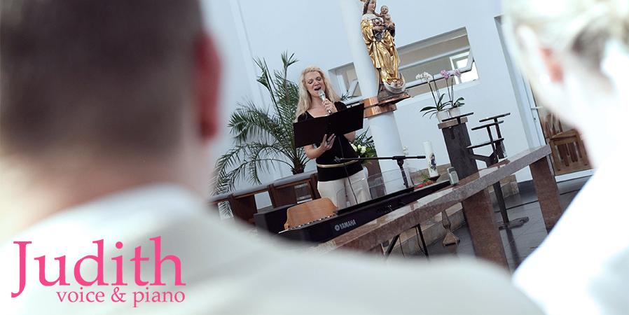 Judith | Gesang & Klavier |Hochzeitssängerin Hannover
